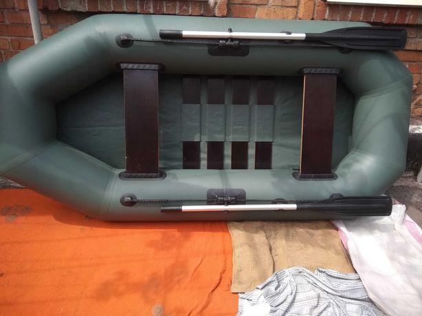 Лодка гребная, надувная
