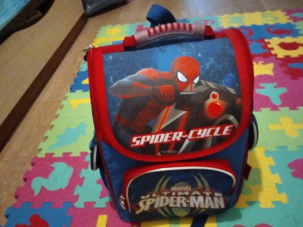 Продам новый качественный рюкзак Spider man