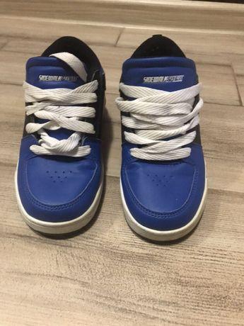 Продам кроссовки с колесиками
