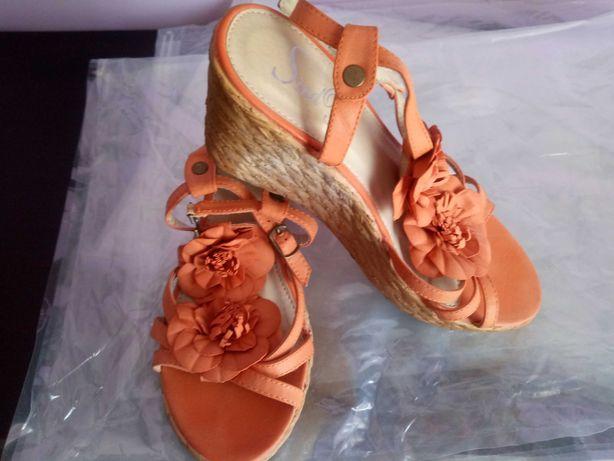 Sandalias cor de laranja