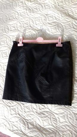 Spódnica  czarna, mini, eko skóra, r.40 L