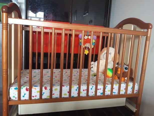 Детская кроватка Micuna+кокосовый матрас+2 простыни+защита в кроватку