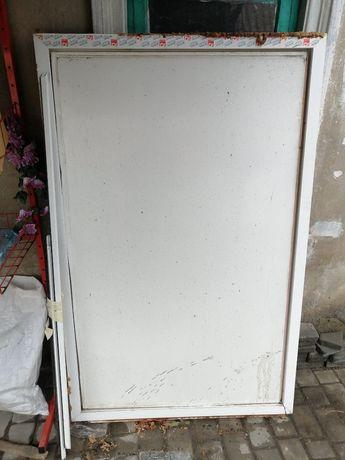 Металлопластиковое окно(сендвич-панель)