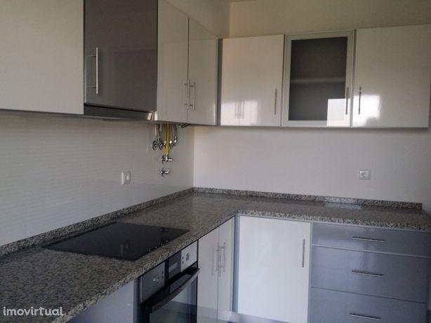 Apartamento T2, novo, com Garagem. Tavarede