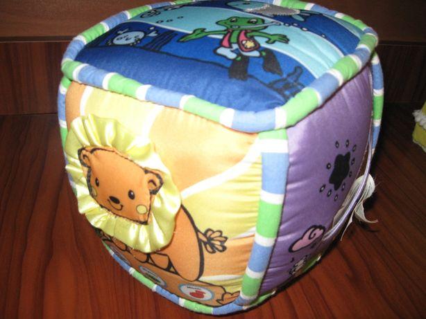 Іграшки розвивалки кубик музичний дерево з Вінніпухом і Пятачком