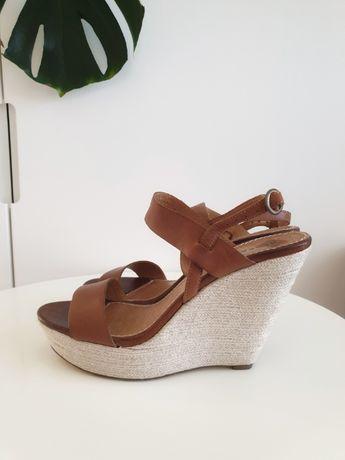 Reserved sandały na koturnie brąz skóra 38