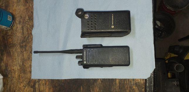 Motorola dP 4400 z pokrowcen