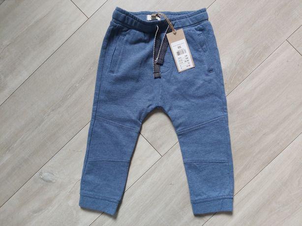 Spodnie dresowe joggersy 86 Newbie Kappahl niebieskie granatowe