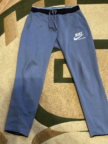 Теплые штаны Nike