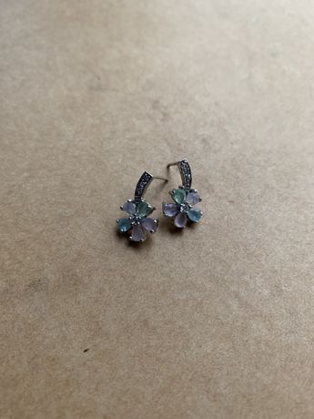 W. Kruk kolczyki wkręty kwiatki cyrkonie kolorowe kryształy kwiaty