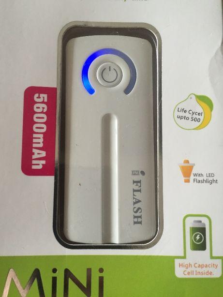 Powerbank Apple Nokia LG 5600 Mah c фонариком Павербанк