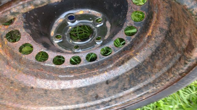 Komplet kol VW Pirelli SnowcontrolWinter M+S 205/55 R16 94H