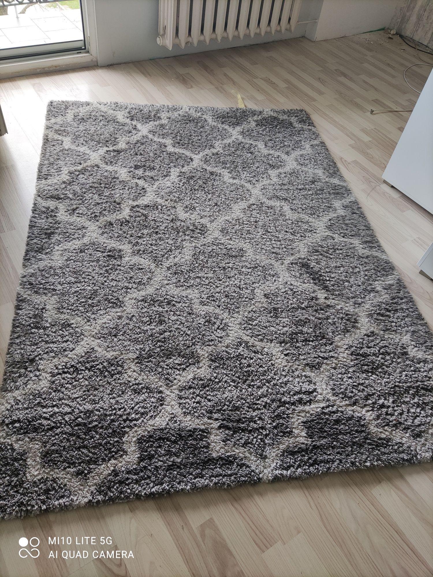 Dywan maroko mało używany milutki