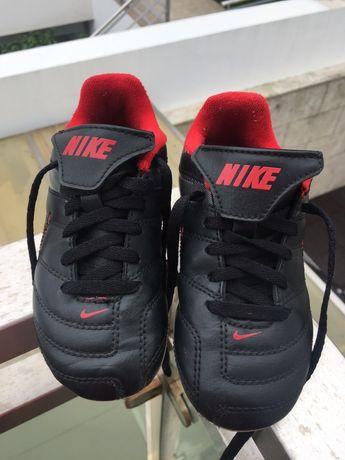 Chuteiras criança Nike tam. 27