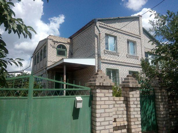 Продаётся дом ( 5км. от города) 2-х этажный, 3-х уровнивый с подвалом