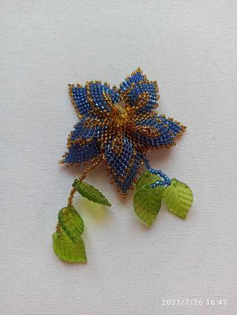 Брошь Голубой цветок.