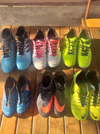 Продам футбольную обувь (бутсы, сороконожки)