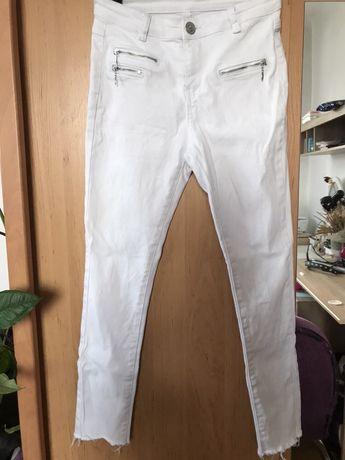 Spodnie białe 36