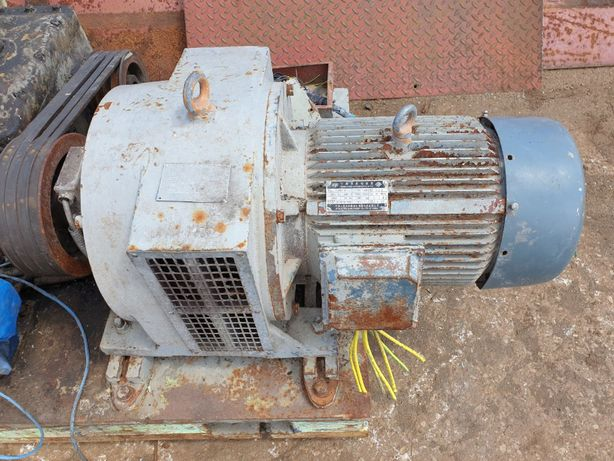 Silnik elektryczny 15 kW z przekładnia