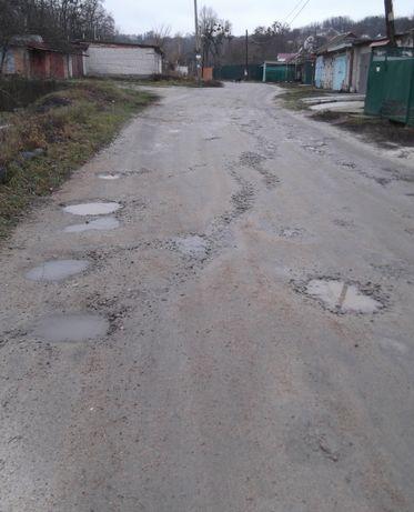 Участок,земля  10 соток  приватизованый в центре города Канев