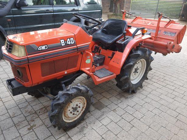 Traktorek Kubota B-40 z glebogryzarką