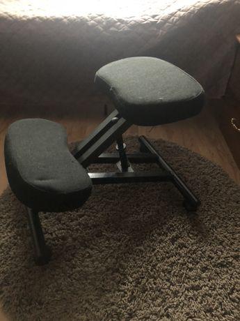 Klękosiad małoużywany *krzesło ergonomiczne, klęcznik, fotel biurowy*