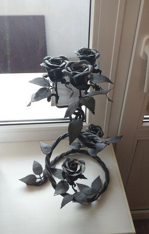 Кованный подсвечник роза