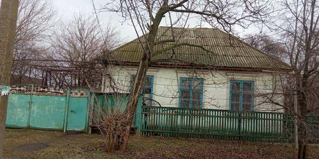 Продам Дом, с 2 участками земли. цена договорная.