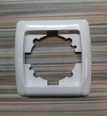Рамки для розеток и выключателей VIKO