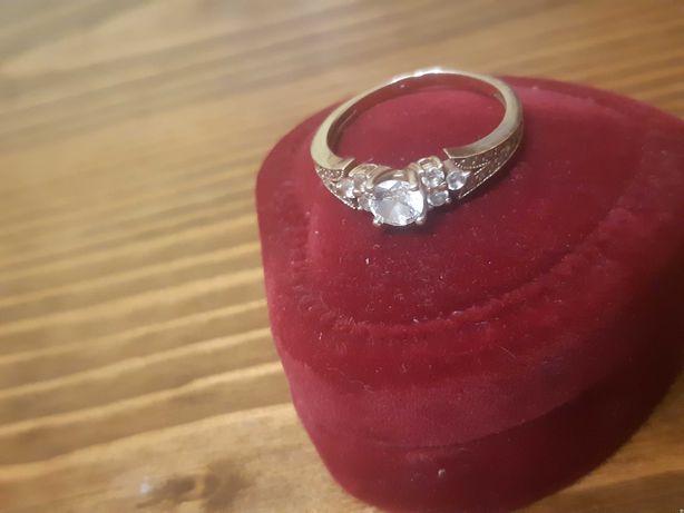 Золотое кольцо 585 проба 2.5 гр.