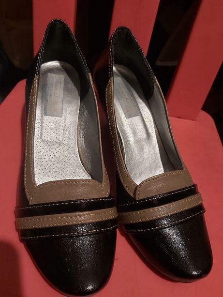 Pantofelki czółenka skórzane r. 37