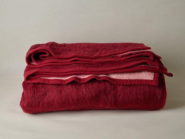 Cobertor liso vermelho 2,20x2,40