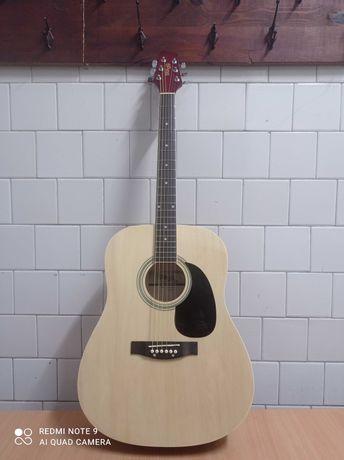 Продам акустическую новую гитару stagg + чехол в подарок