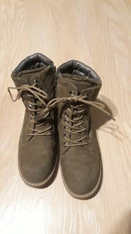 Sprzedam buty zimowe ocieplane zielone roz.38