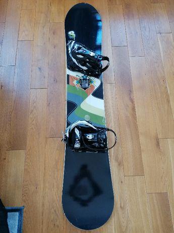 Deska snowboard Salomon Storm 154 z wiązaniami Drake