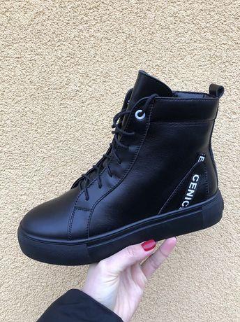 Женские ботинки 36р.
