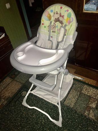 Дитяче кріселко для кормління