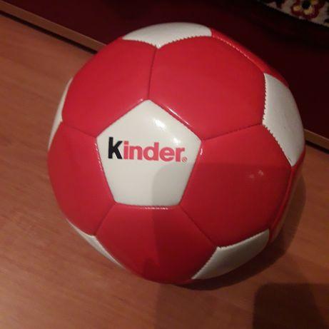Крутезний М'яч Кіндер.