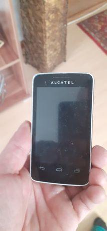 Alcatel z aparatem