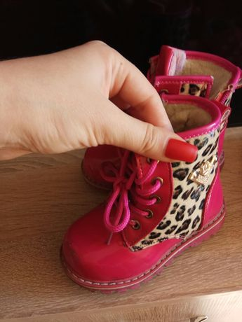 Зимние ботинки сапоги розовые рр 24 девочке овчина