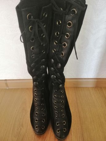 Продам чобітки замш чорного кольору 38р.