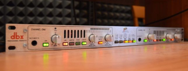двухканальный ламповый предусилитель dbx 386