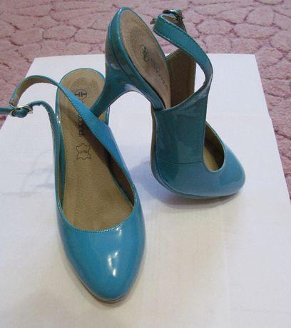 Женские лаковые босоножки, туфли фирмы T.Taccardi