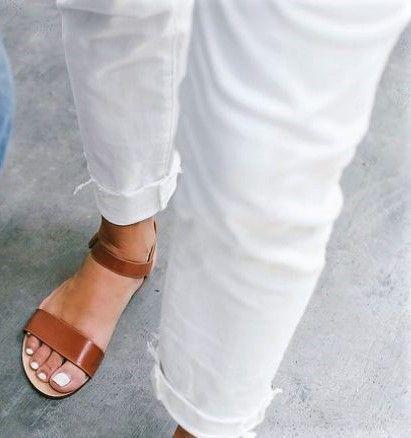 Sandálias rasas pele
