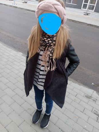 Płaszcz czarny 7-8lat