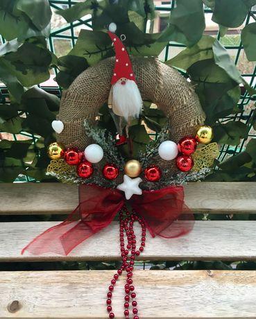 Wianek świąteczny ozdoba dekoracja czerwona Boże Narodzenie Mikołaj