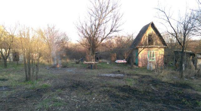 Продам дачу с домиком 3 км от Луганска, возле речки