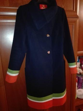 Кашемировое пальто 50 размер в идеальном состоянии