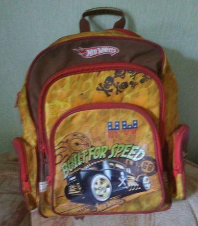 Продам школьный портфель фирмы hot wheels ортопедич.спинка 5отделений