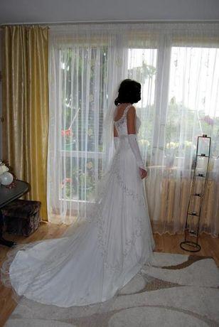 Suknia ślubna Lisa Ferrera z kamykami swarovskyego 36